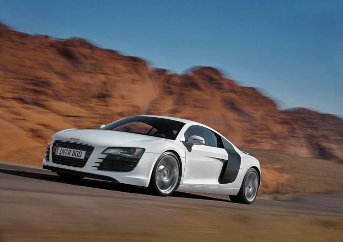Обзор автомобиля Audi R8