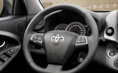Обновленный кроссовер Toyota RAV4 (2011)