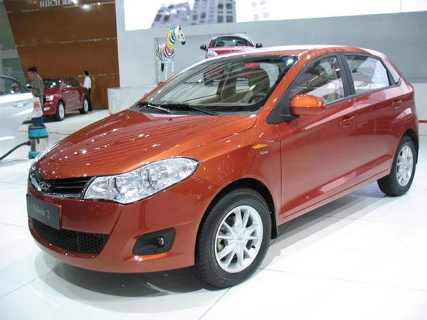 Автомобили Chery A13 отличаются не только низкой ценой, но и низким комфортом