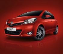 обзор Toyota Yaris 2012-003