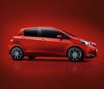 обзор Toyota Yaris 2012-004