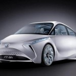 Toyota представила концепт своего суперлегкого и суперэкономичного гибрида