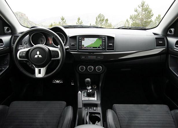 Ёлемент салона Mitsubishi Motors EVO 10 EVO - фото 10