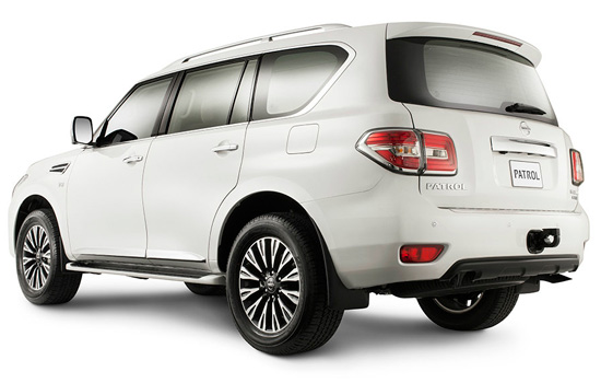Внешний вид сзади Nissan Patrol 2014 Y62