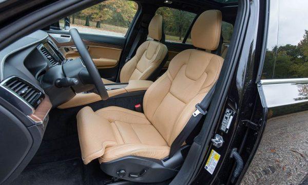 Салон нового Volvo XC90 2019 года